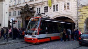 трамвай Шкода Прага