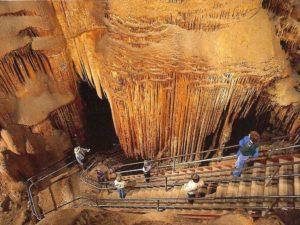 Мамонтова пещера красиво