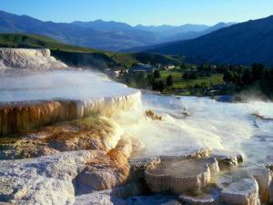 Национальный парк Йеллоустон. Край горячих гейзеров.