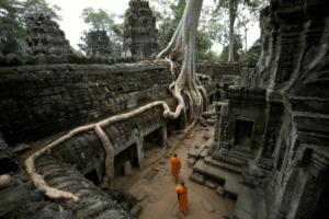 Ангкор Ват монахи