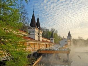Целительная сила источников озера Хевиз